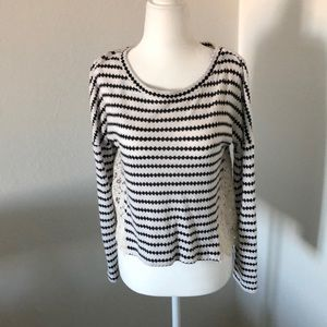 Two-fabric simple top